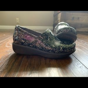 Greys Anatomy Clogs Size 7m